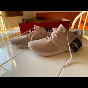 NWT New Balance Pink 415 Sneakers